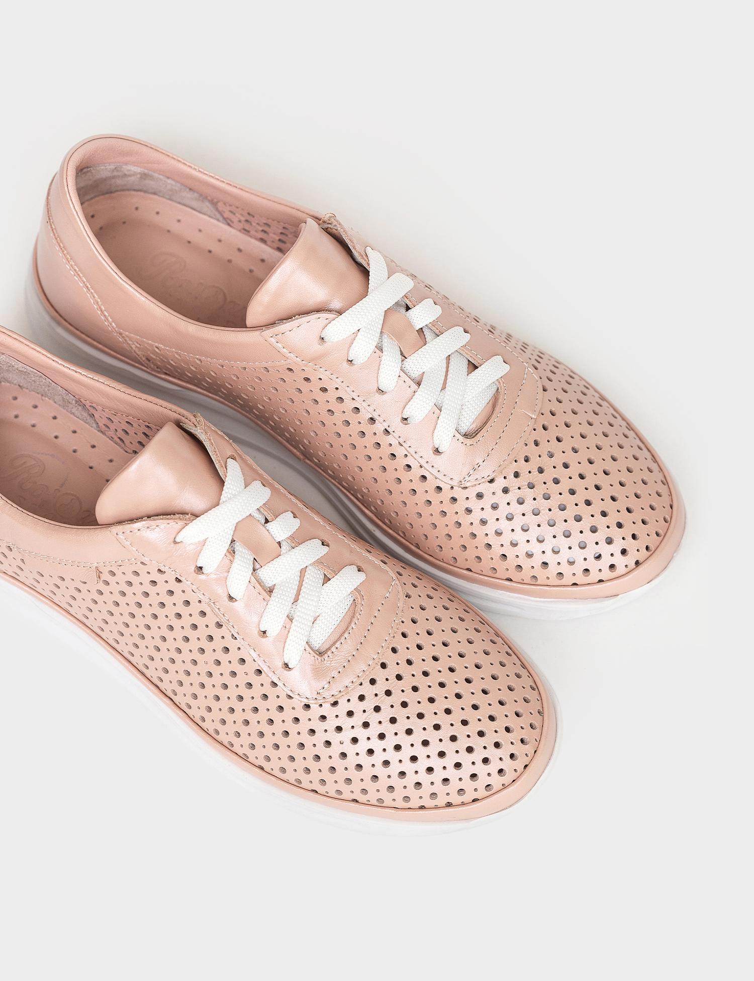 Кросівки  жіночі Кроссовки 26-151 бежевая кожа 26-151 модне взуття, 2017