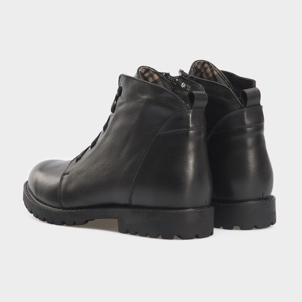Ботинки женские Ботинки 3353-030 черная кожа. Хутро 3353-030 примерка, 2017