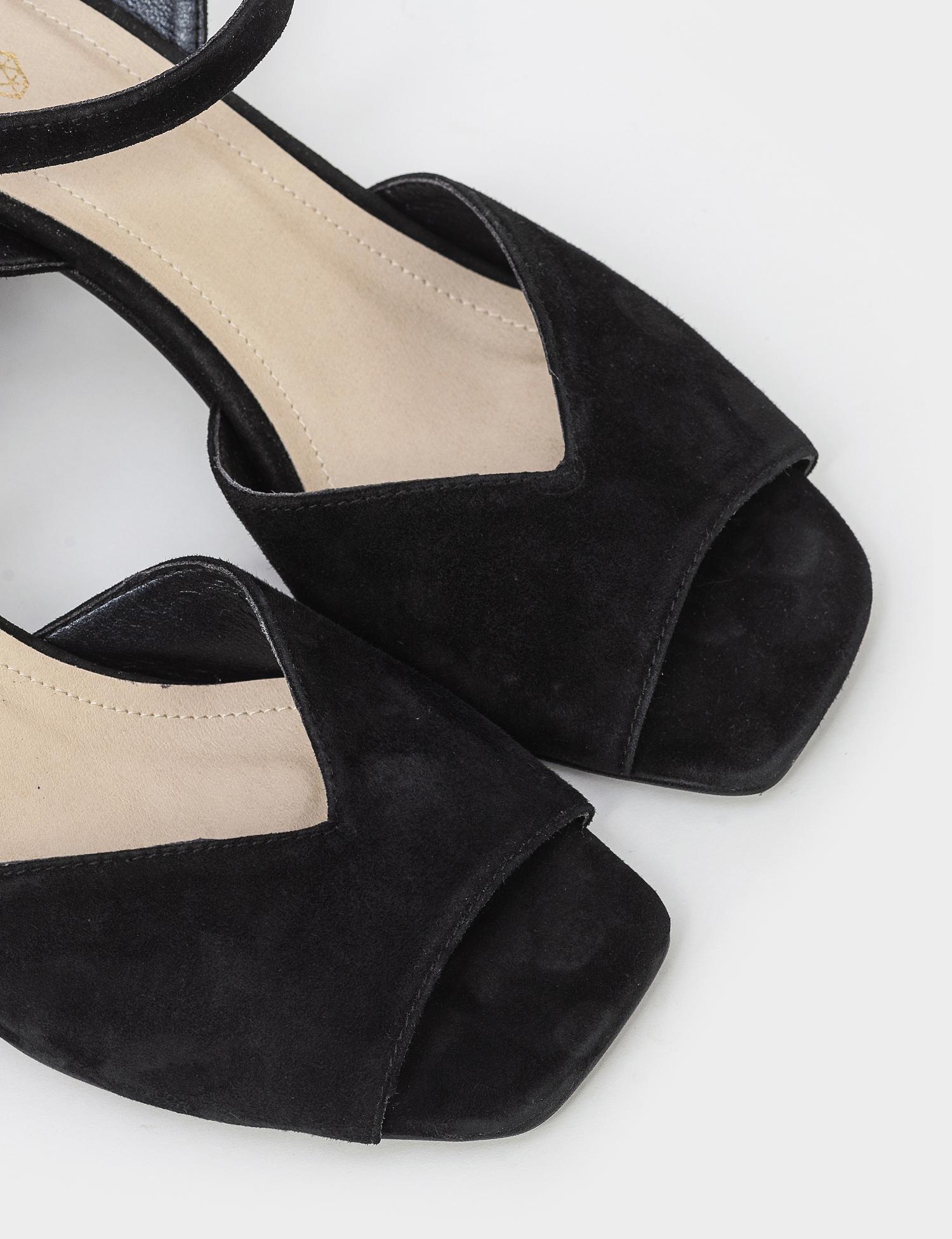 Босоніжки  жіночі Босоножек 95790141 черная замша 95790141 взуття бренду, 2017
