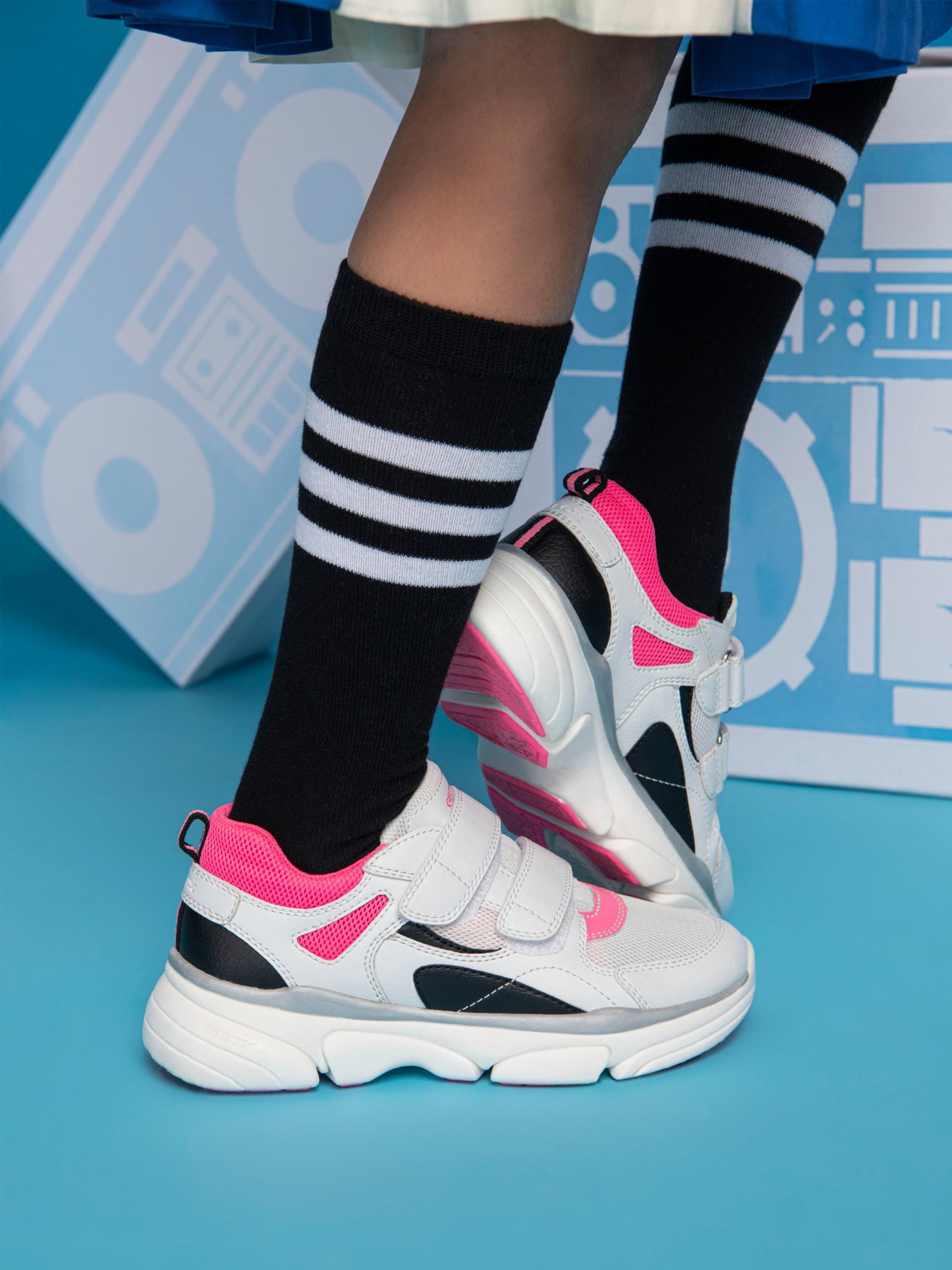 Кросівки  дитячі Geox J LUNARE GIRL J02BGE-0BC14-C0563 продаж, 2017